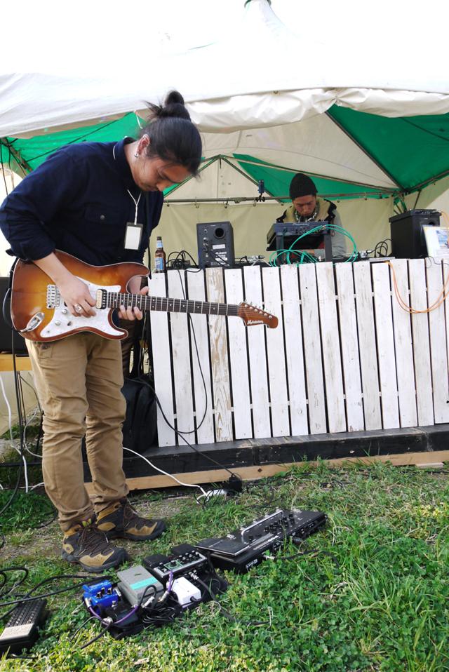エレキギターによる生演奏