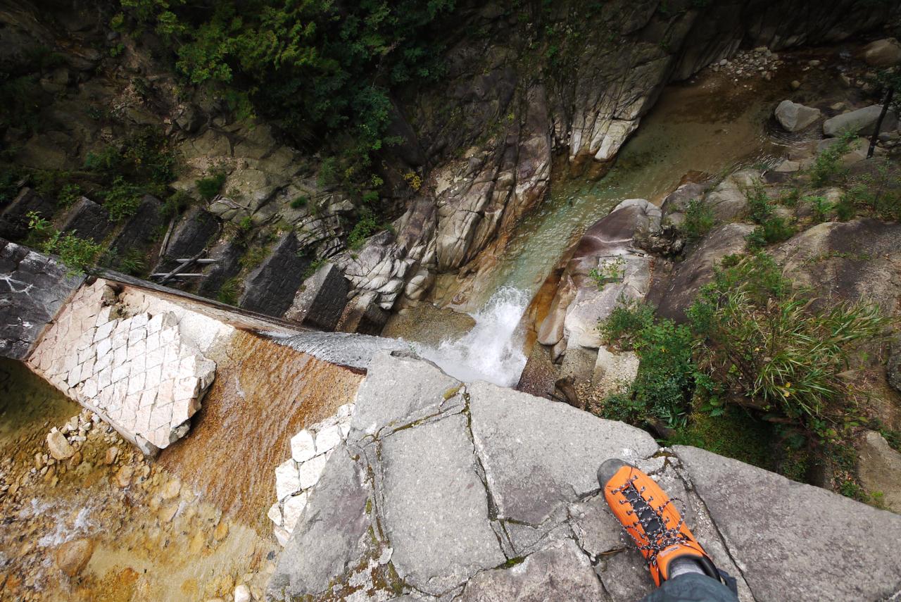 御在所岳・銭浪ヶ淵上流のダム