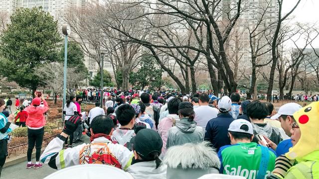 東京マラソンのスタート待ち