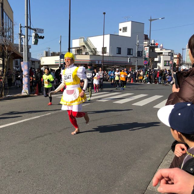 青梅マラソンの金髪ママ