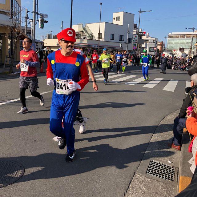 青梅マラソンのマリオ