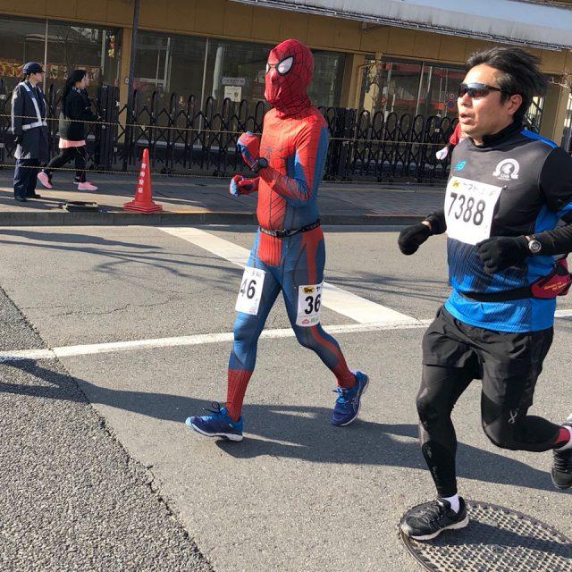 青梅マラソンのスパイダーマン