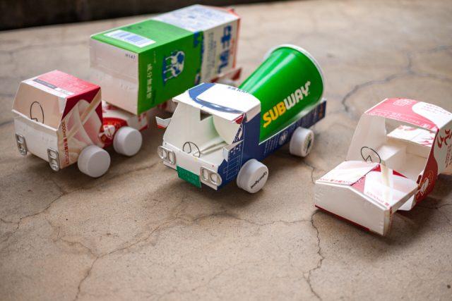 トラックの牛乳パック工作