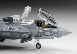 F35コクピットのキャノピー